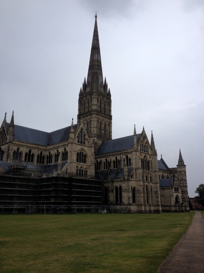 Our first glimpse of massive Salisbury Cathedral impressed us beyond our expectations. It's spire is the tallest in the UK.