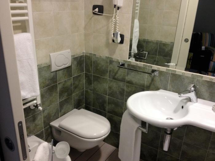 Obligatory toilet shot...? :-/